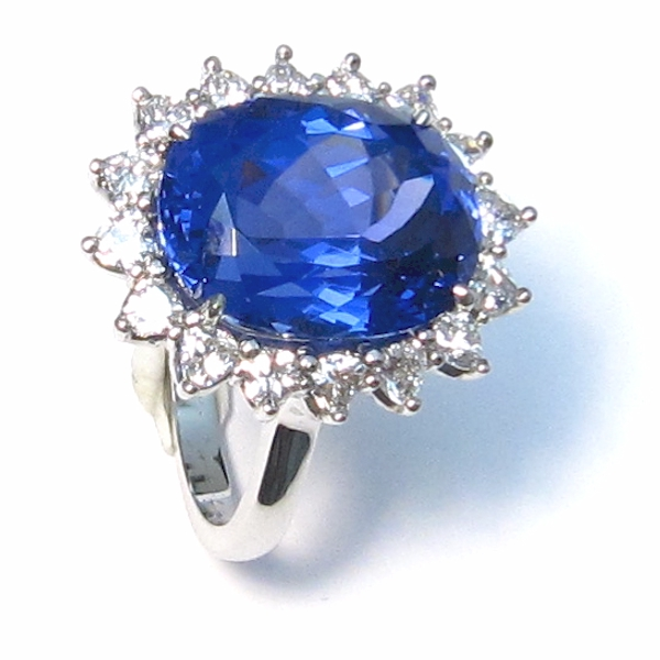Museum Tanzanite: ~Tanzanite & Diamond Cluster Ring~
